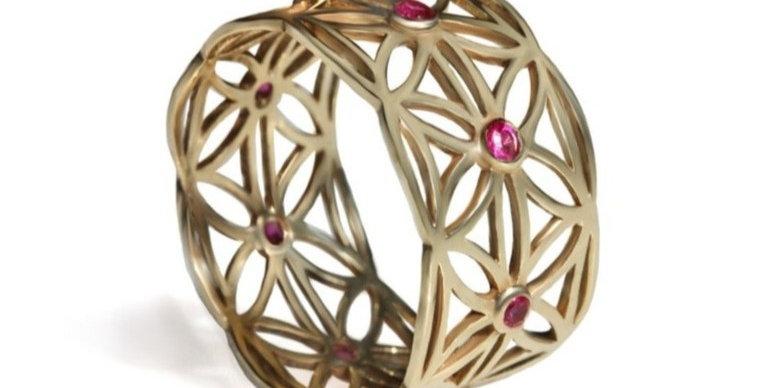 טבעת זהב 'תחרת פרח החיים' אבני רובי