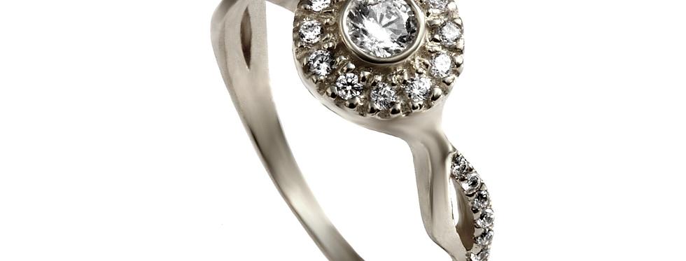 טבעת אירוסין זהב לבן טוויסט יהלומים