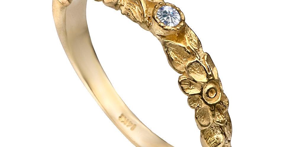 טבעת יהלום קטן ופרחים חרוטים