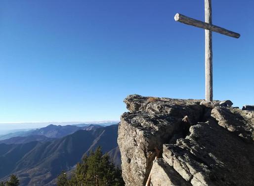 Sophro au sommet du Mont Joia