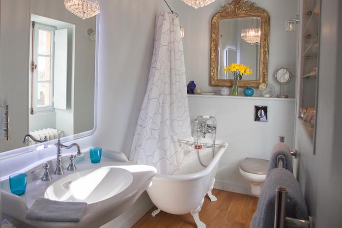 Suite Cyclamen - Salle de bains.jpg