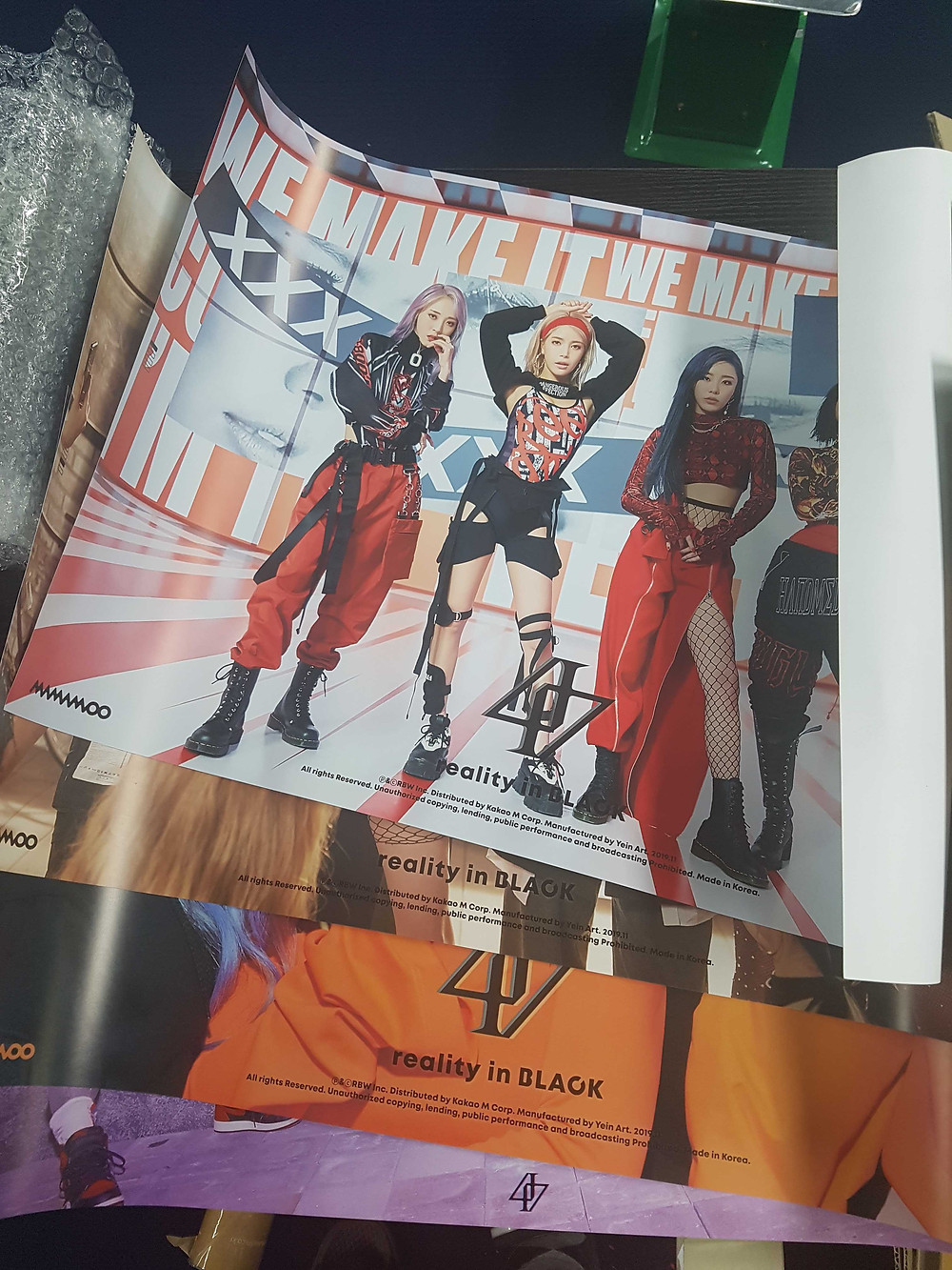Mamamoo merch in Korea. Mamamoo Reality-in-Black Banners