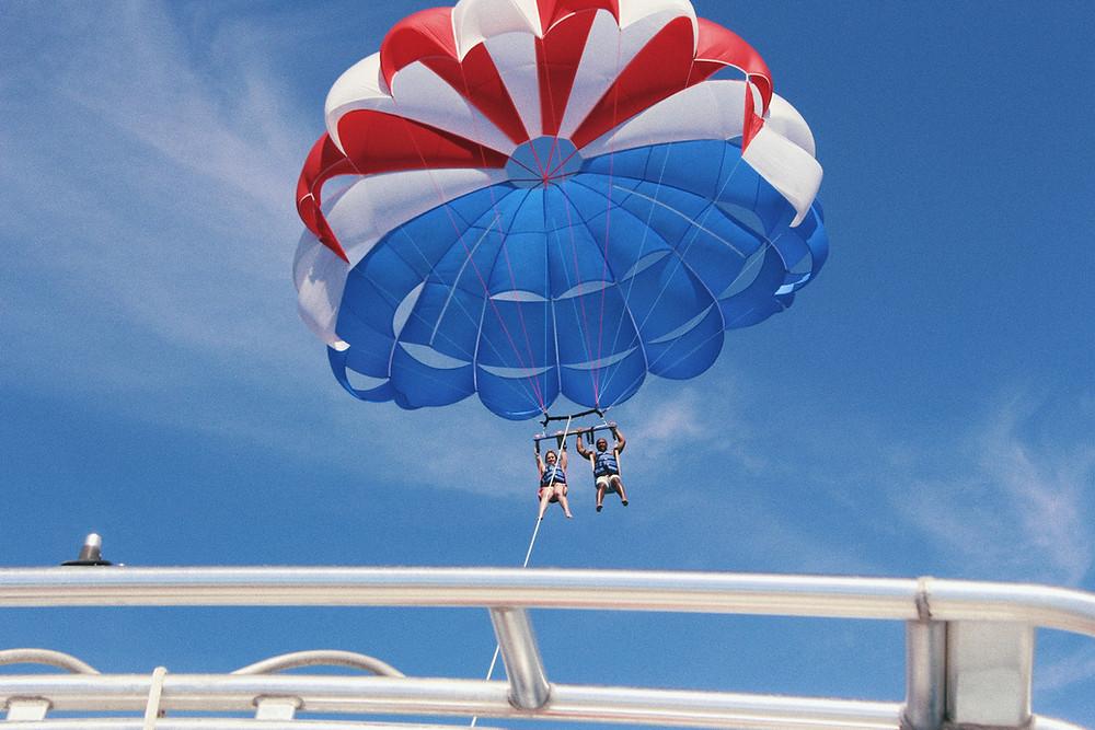 parasailing in south korea, jeju island