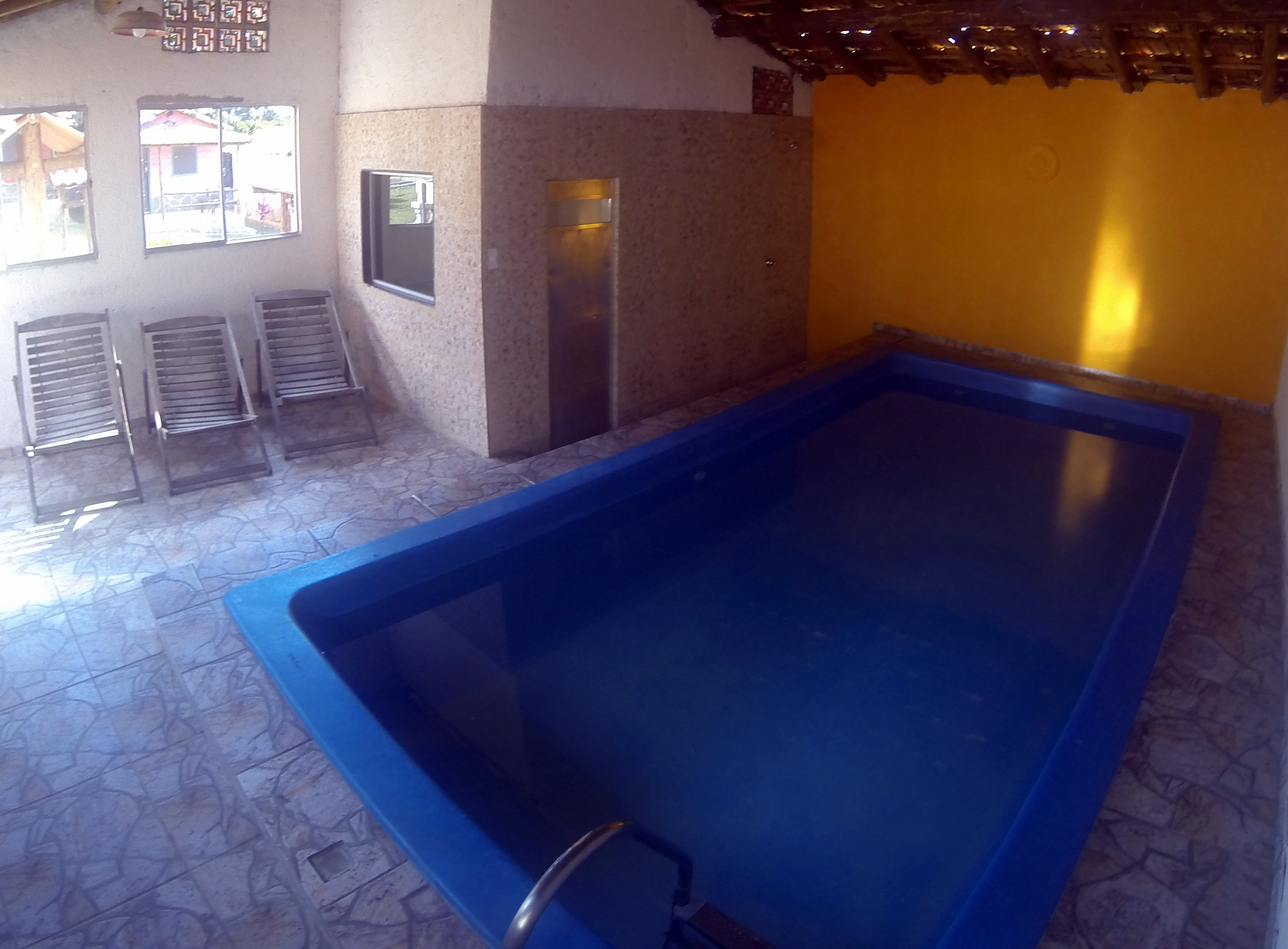 Piscina Climatizada e Sauna