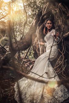 Bride in the jungle, Vietnam