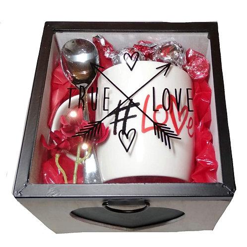 #01 True love box with mug and spoon