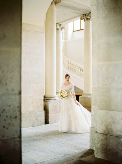 Bride at Schloss Eckartsau by Melanie Nedelko Fotografie