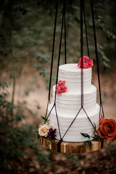 Tree-suspended cake