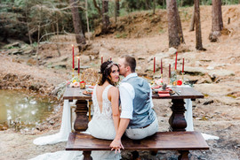 Sweethearts immersed in nature