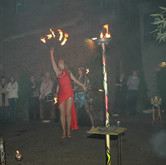 Akrobatic mit Feuerzauber