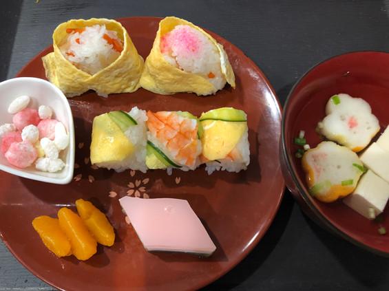 お雛様お寿司ランチ