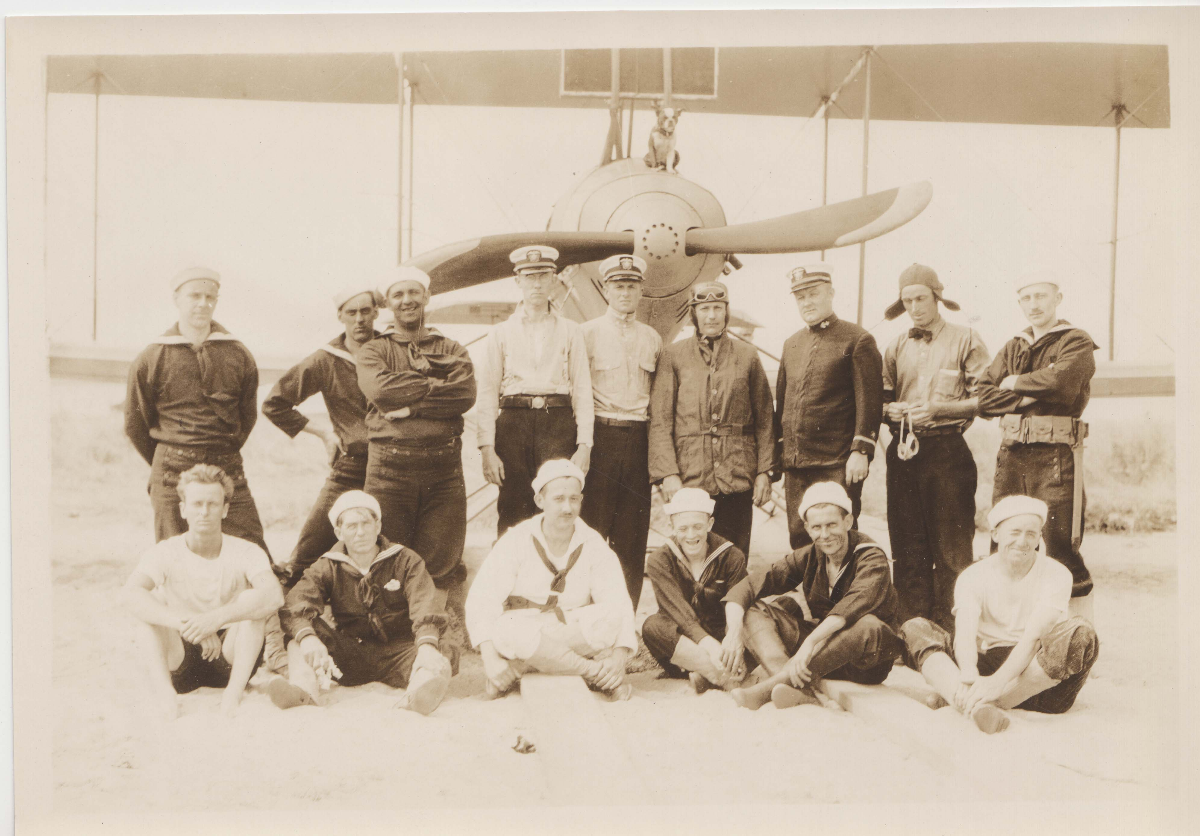 0116 Officers and Pilots in front of plane