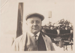 0088 Man with Hat