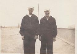 0419 Sailors in coats