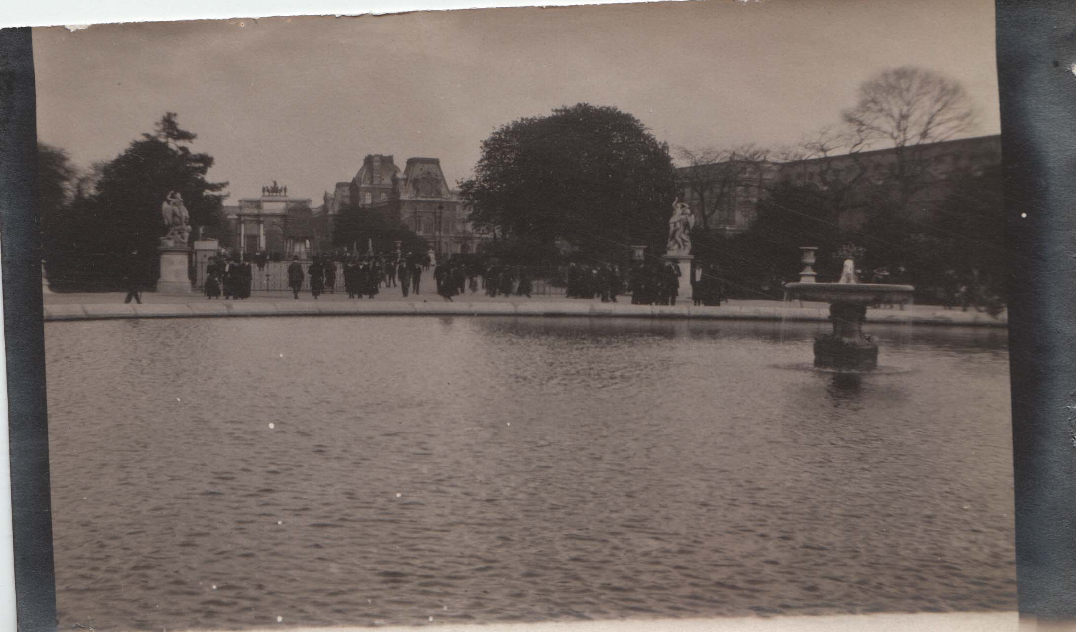 0439 Fountain Lake