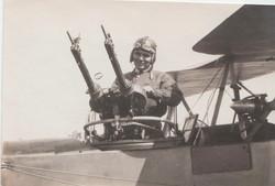 0449 Pilot in gunner