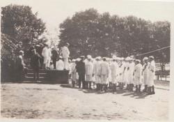 0418 Sailors in uniform