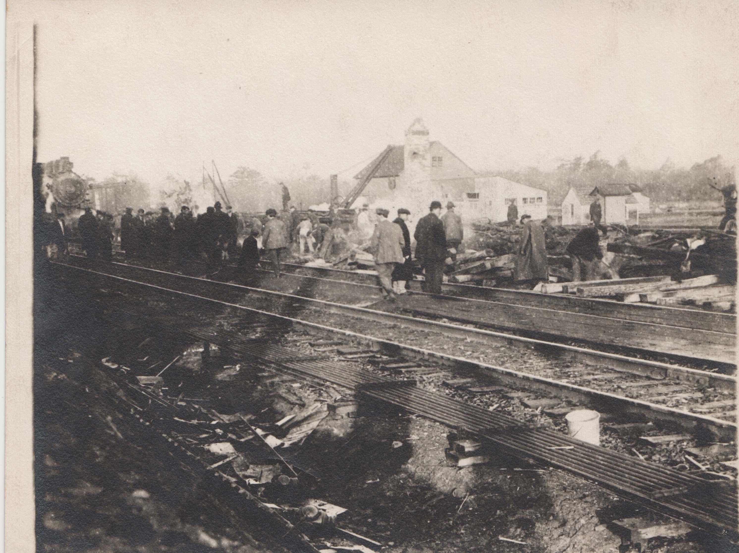 0212A Crowds on railroad