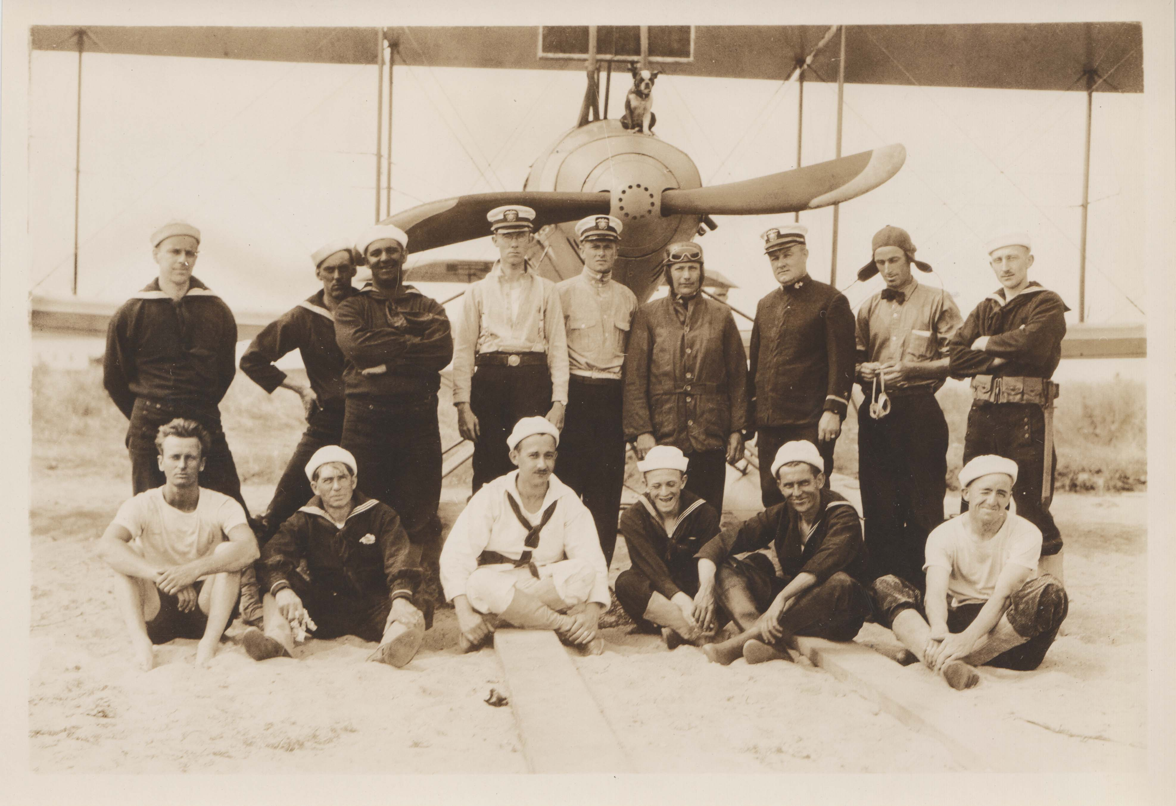 0114 Officers and Pilots in front of plane