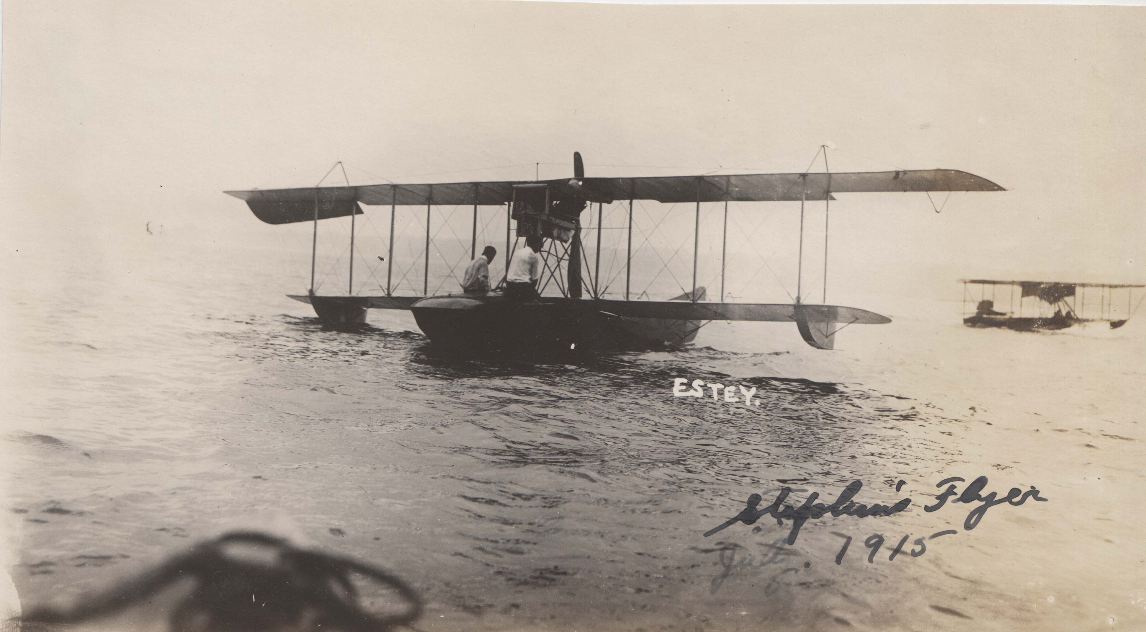 0045 Flying Boat on Water 1915