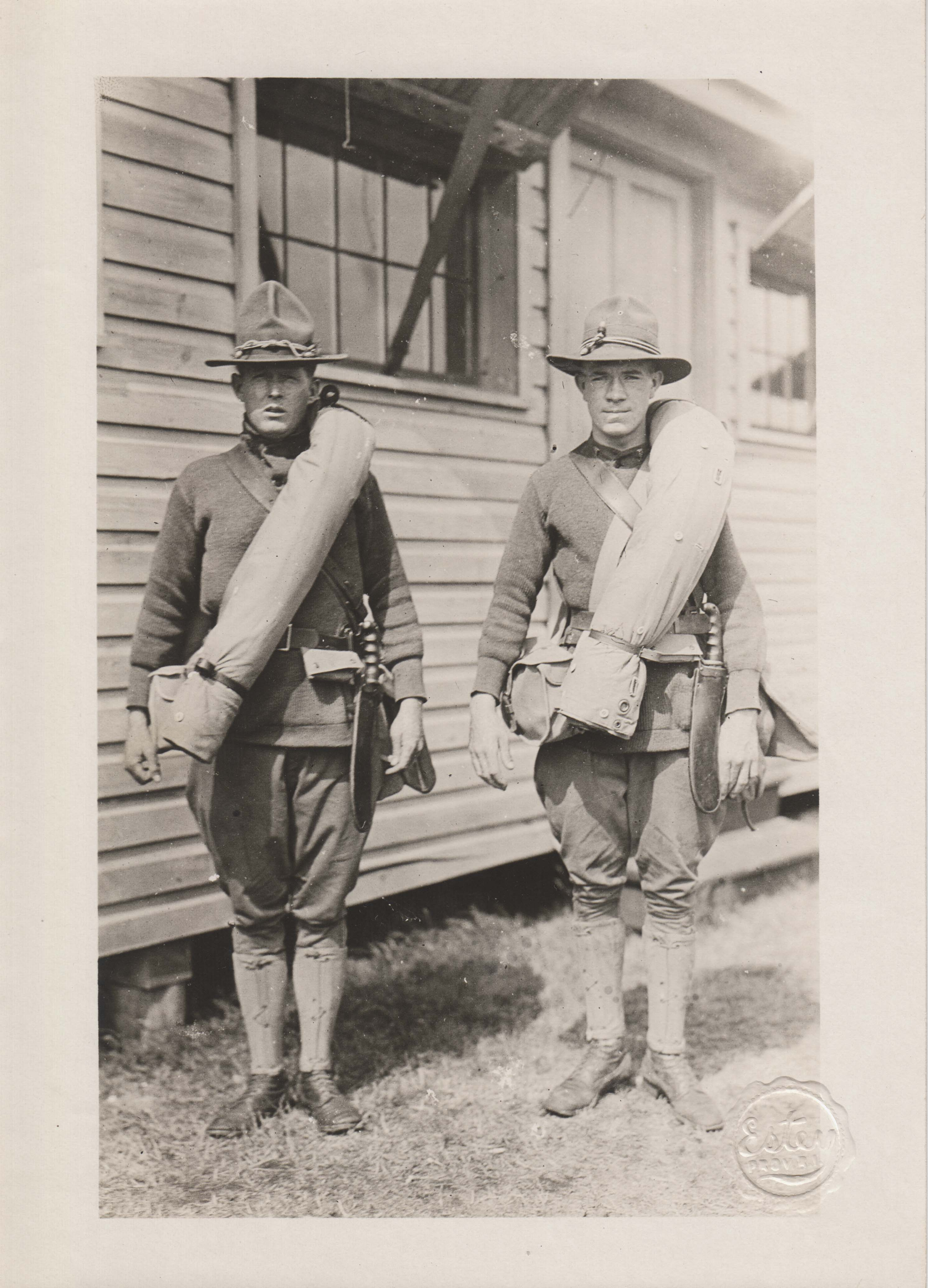 0187 Two rangers with satchels