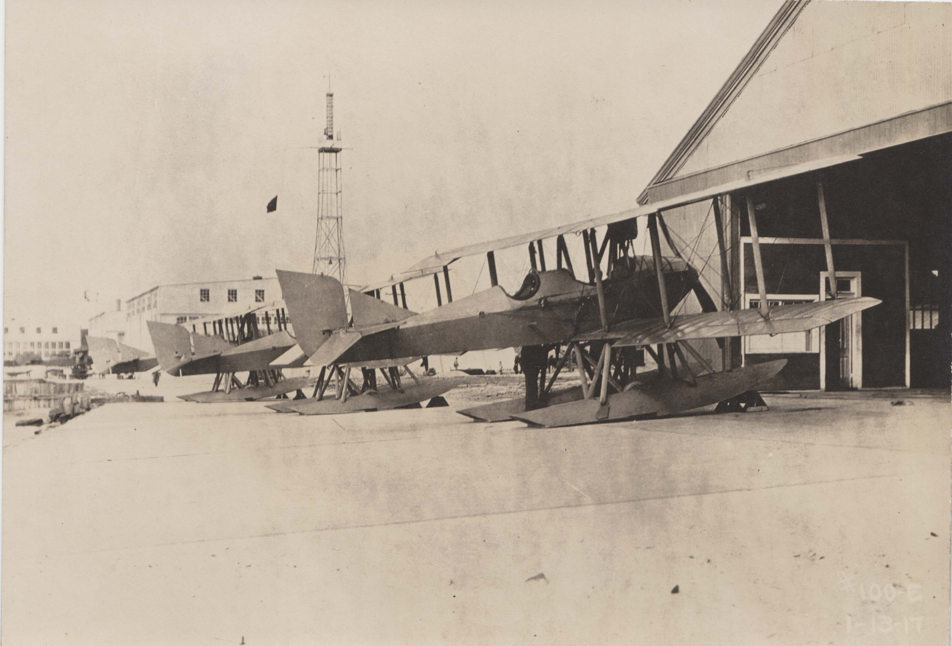 0032 Airplanes in dock