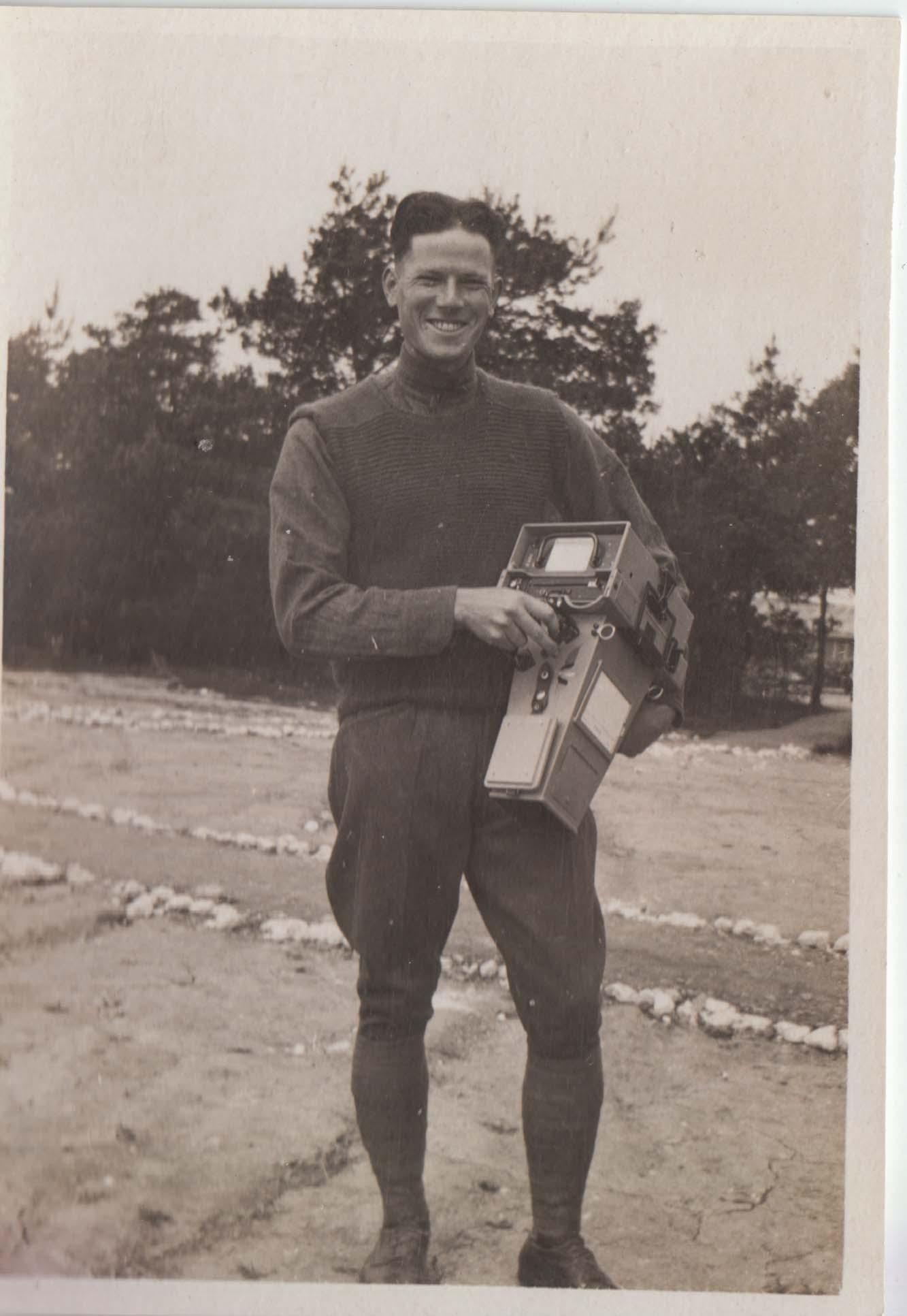 0442 Man with Box