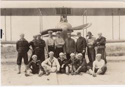 Crew_& _Plane