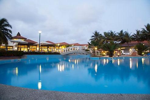la-palm-royal-beach-hotel.jpg