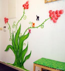 Rostlina ve vstupní chodbě domu