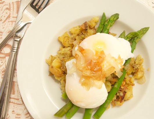 On the Menu: Poached Eggs with Asparagus and Sweet Potatoes