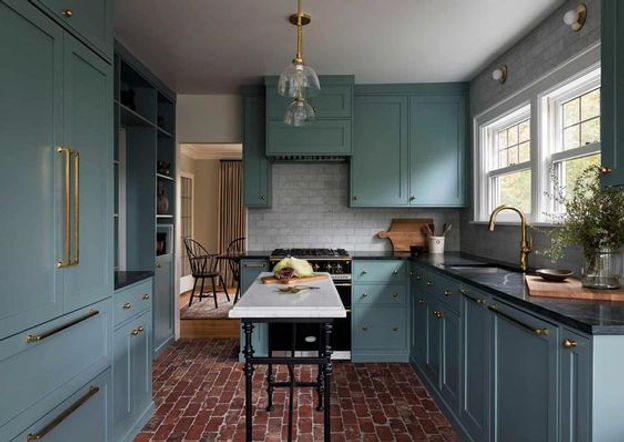 Global Design Spotlight: English Kitchens