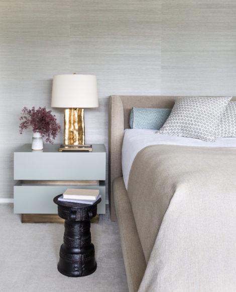 bedroom with grasscloth