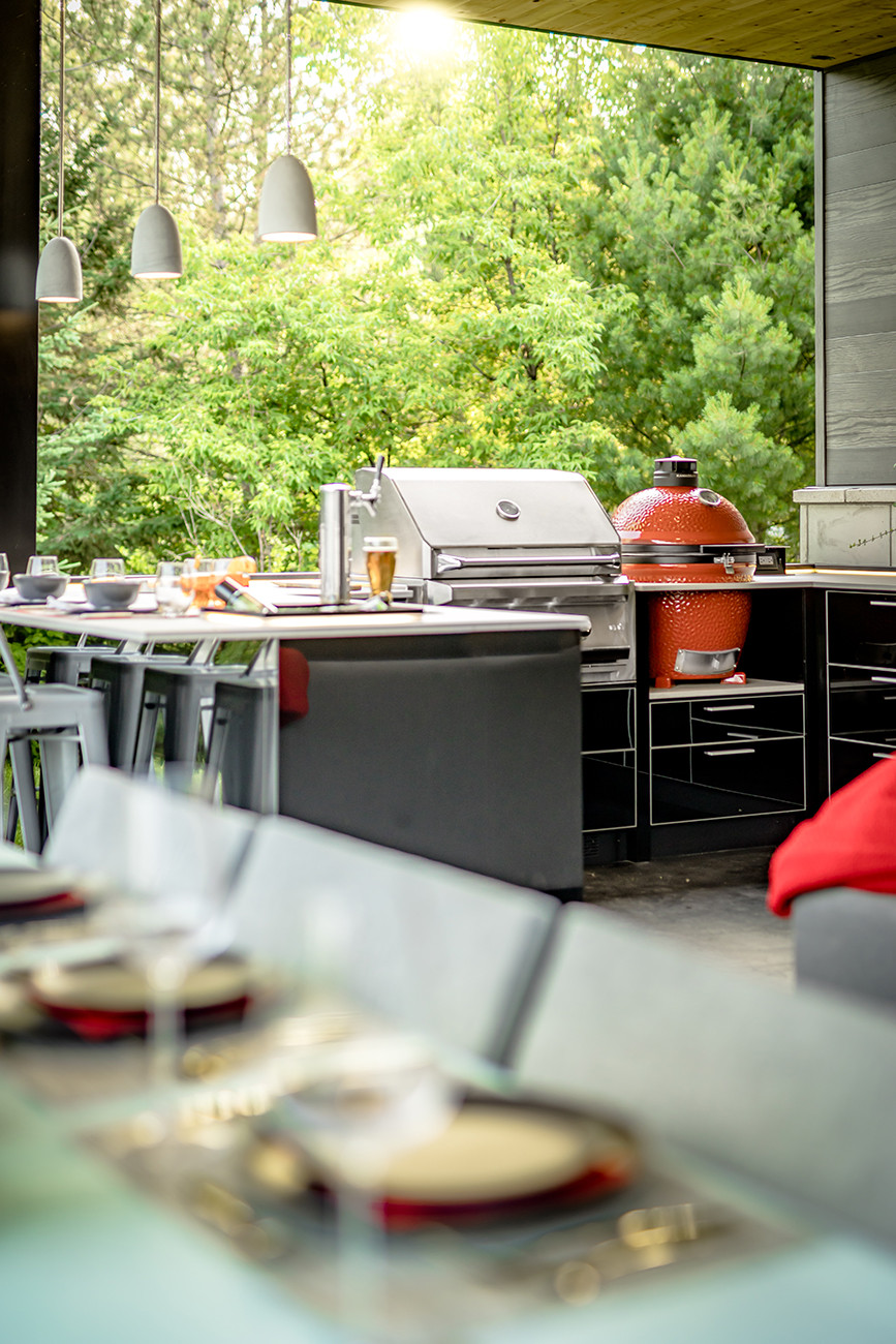 outdoor kitchen by Studio Grill