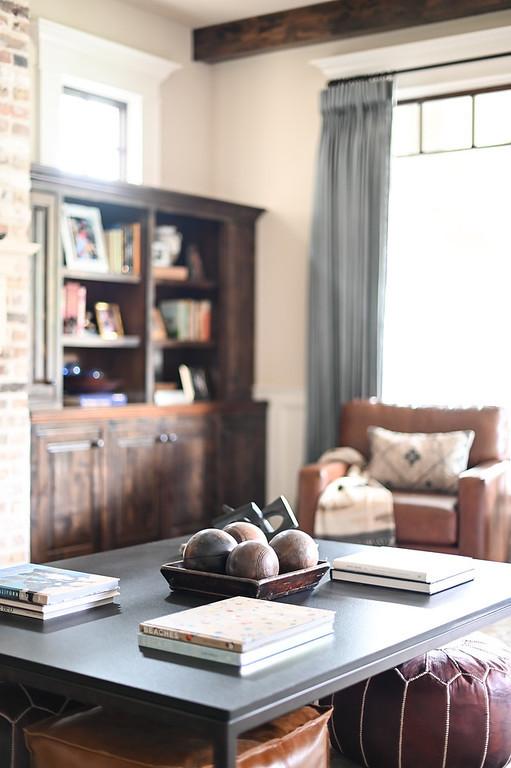Modern transitional living room by Houston interior design firm Nancy Lane Interiors