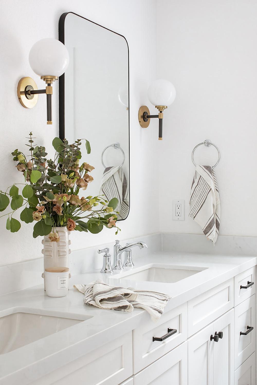 white bathroom by Lindsey Brooke Design