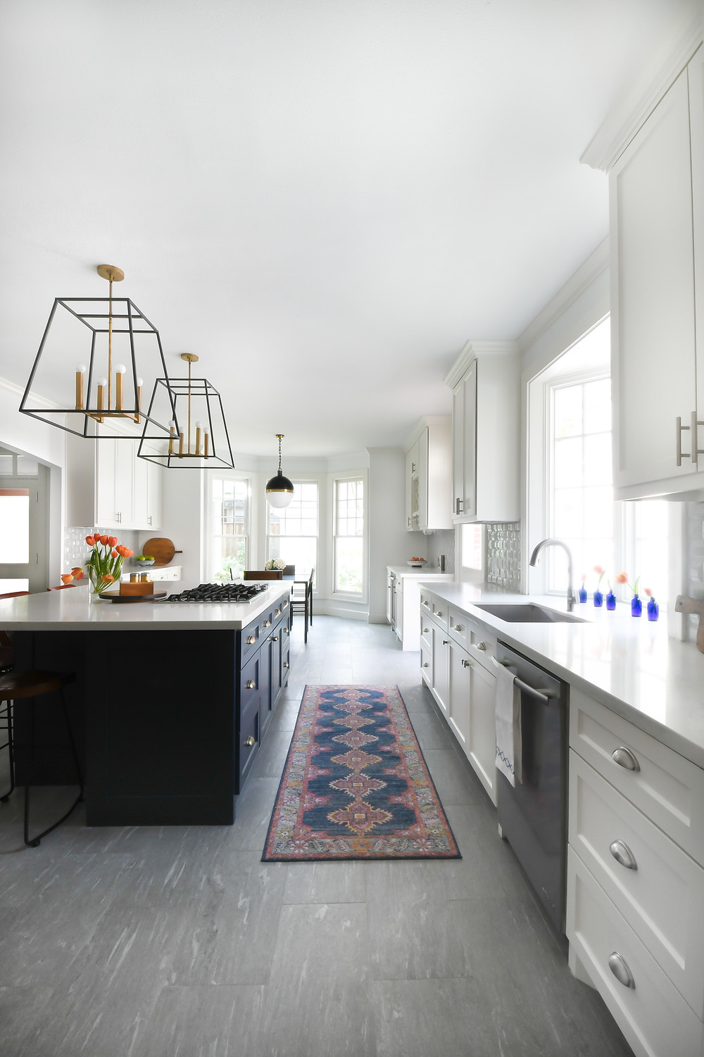 Modern transitional kitchen by Houston interior design firm Nancy Lane Interiors