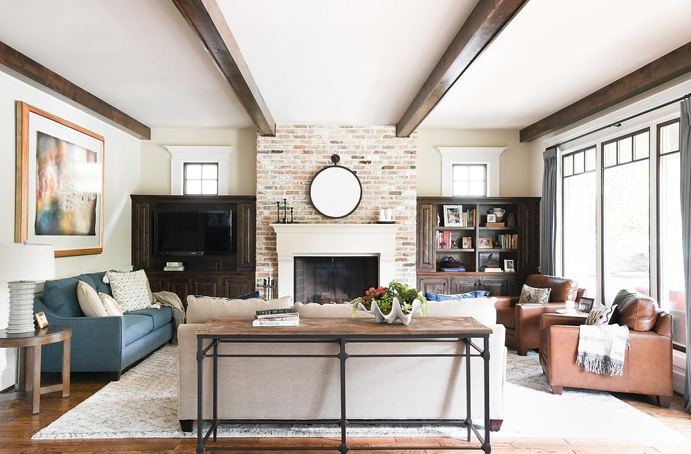 Modern transitional living area designed by Houston based residential design firm Nancy Lane Interiors.