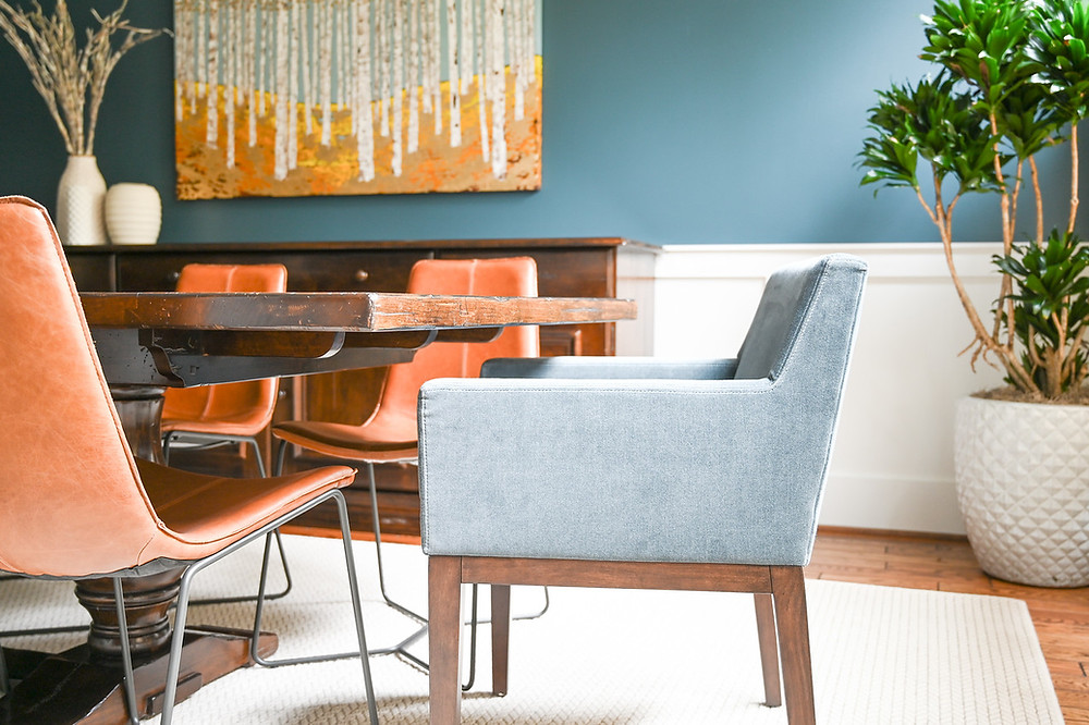 Modern transitional dining room by Houston based interior design firm Nancy Lane Interiors