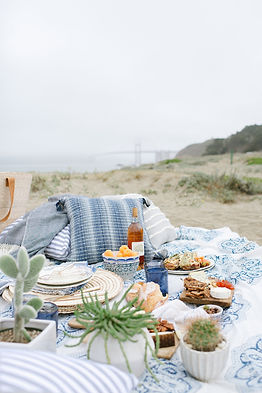 How to Create an Effortless Picnic at the Beach
