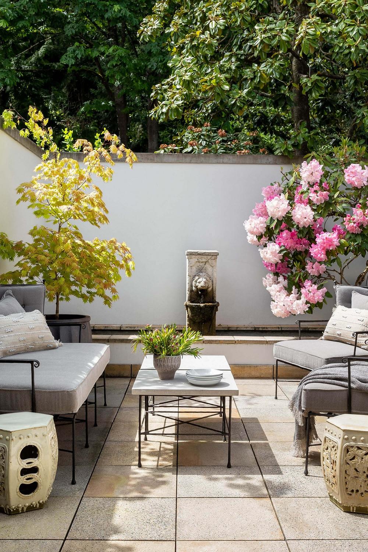 inspiring outdoor living space