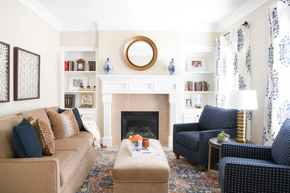 Modern transitional living room by Houston interior design firm Nancy Lane Interiors