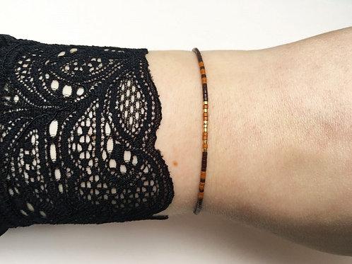 """""""Rahima"""" armbånd af silkesnor med små perler"""