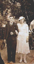 Rees Thomas marries Gwen Castellari in Agra, India on 14 October, 1936