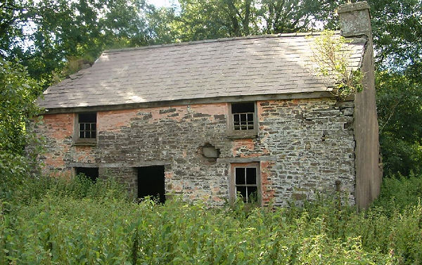 Pwll Uchaf farmhouse, photographed in 2004