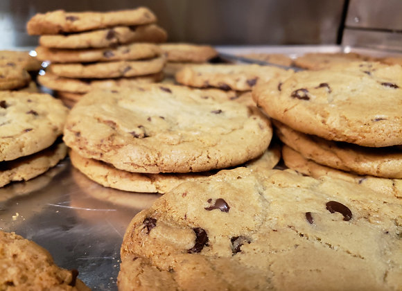 Giant Chocolate Chip Cookie (2)