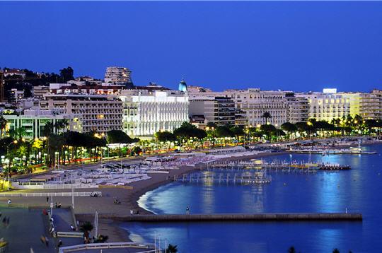 Baie de Cannes la nuit