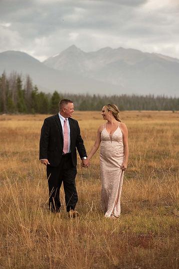 Couple elopes in grand lake colorado