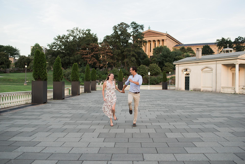 Silly Philly Engagement Photos in the Summer