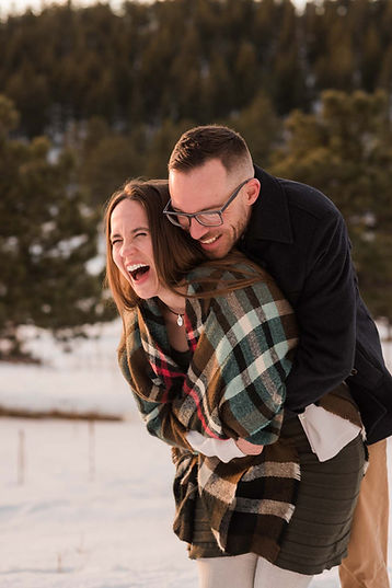Colorado engaged couple in the snow